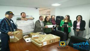 Entrega de dotaciones a las JAC en Teusaquillo - Foto: Alcaldía Local de Teusaquillo