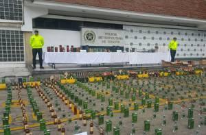 Incautación licor adulterado - Foto: Oficina de Prensa Alcaldía Mayor de Bogotá.