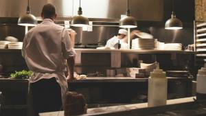 Se busca domiciliarios para trabajar en empresa de comida