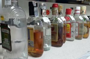 Licor adulterado - Foto: Secretaría de Salud