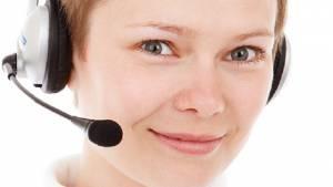 Para postularse debe contar con un mes de experiencia en call center.