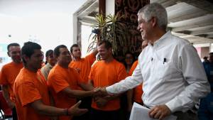 Alcalde Peñalosa con trabajadores bogotanos