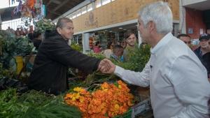 Alcalde Enrique Peñalosa recorrió Plazas Distritales de Mercado en Engativá