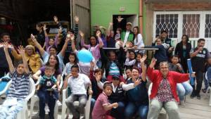 Habitantes de Tre Reyes celebran obras de mejoramiento - Foto: Caja de Vivienda Popular