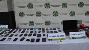Incautación de celulares - FOTO: Prensa MEBOG