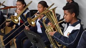 Entrega de instrumentos a Colegio Luis Ángel Arango - Foto: Prensa Secretaría de Educación