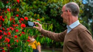 Director del Jardín Botánico de Londres reconoció el trabajo del Jardín Botánico
