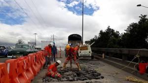 Mantenimiento puentes vehiculares en Bogotá - Foto: Prensa IDU