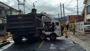 Mantenimiento de vías en la ciudad - Foto: Comunicaciones Unidad de Mantenimiento Vial