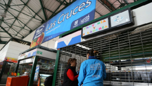 Módulos comerciales en plazas de mercado - Foto. IPES