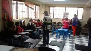 Rescate de niños - FOTO: Prensa MEBOG
