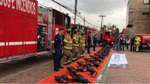 La Alcaldía de Enrique Peñalosa entregó nuevos equipos a los bomberos de Bogotá