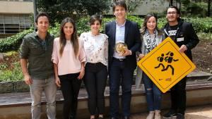 Las señales que incluyen mujeres se instalarán en los parques de Bogotá.