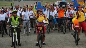 Guardianes de ciclovía - Foto: IDRD