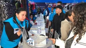 Vendedores informales, en rueda de negocios en San Victorino. Foto: Ipes.