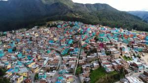 Bogotá ya cuenta con un nuevo mural a gran escala en el barrio El Consuelo, localidad de Santa Fe - Foto: PrensaHábitat