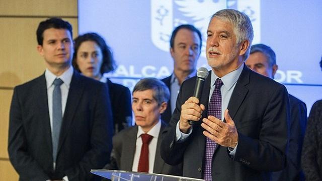 Alcalde celebró acuerdo entre el Gobierno y las Farc - Foto: Prensa Alcaldía Mayor de Bogotá / Camilo Monsalve