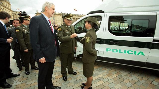 Entrega patrullas Policía - Foto:  Prensa Alcaldía/ Diego Bauman