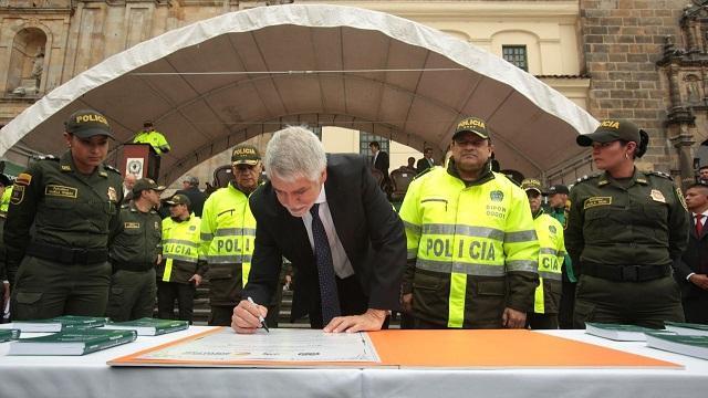 Lanzamiento código de Polícía - Foto: Comunicaciones Alcaldía/ Diego Bauman