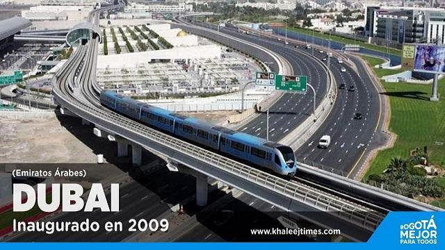 Foto Metro elevado de Dubai