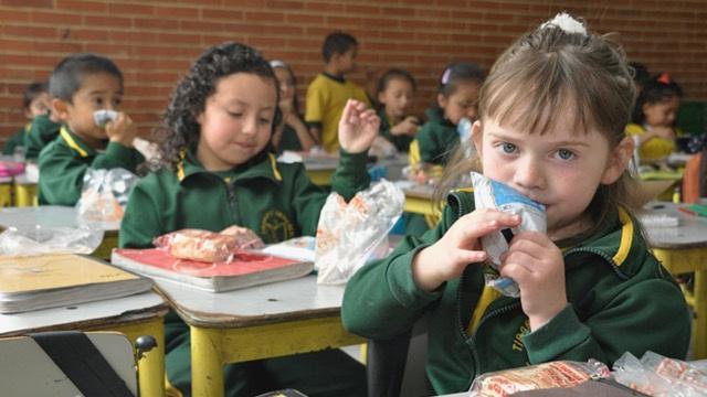 Refrigerios escolares en Bogotá - Foto: Prensa Secretaría de Educación