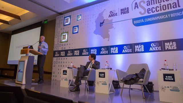 El alcalde explicó los principales proyectos que se desarrollan en la ciudad - Foto: Alcaldía de Bogotá
