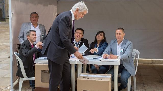 lcalde Enrique Peñalosa abrió la jornada electoral en Bogotá - Foto: Alcaldía Bogotá