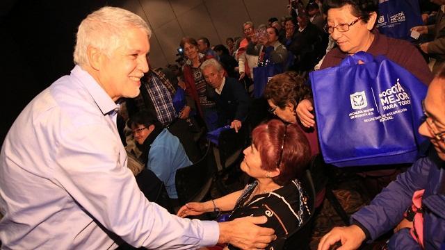 Nuevos subsidios para adultos mayores en Bogotá - Foto: Comunicaciones Alcaldía Bogotá / Diego Bauman