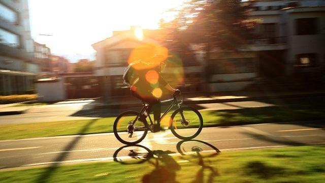 Ciclistas en Bogotá - Foto: Comunicaciones Alcaldía / Diego Bauman