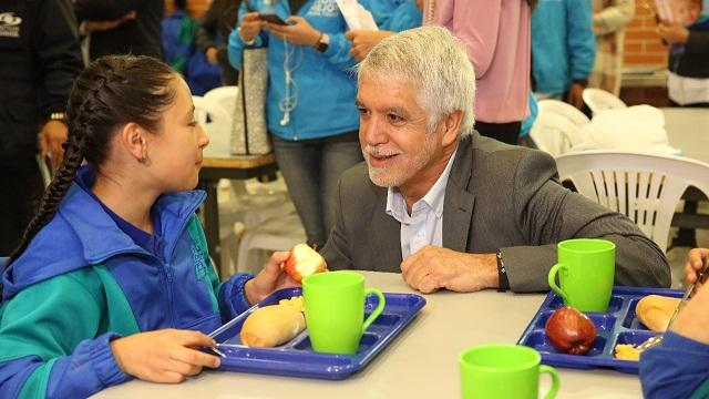 Comedor escolar en colegio Bernardo Jaramillo - Foto: Comunicaciones Alcaldía Mayor / Diego Bauman
