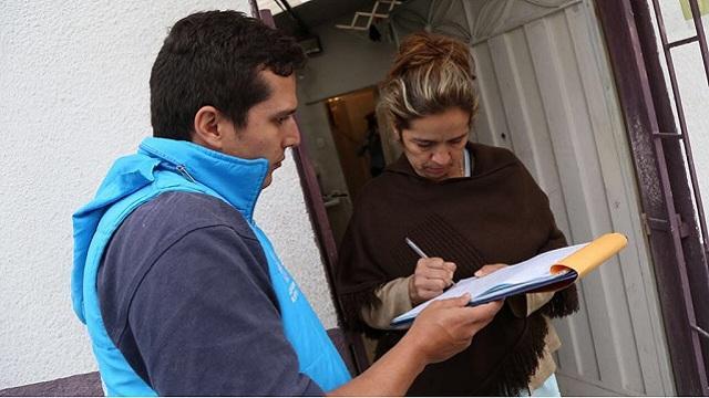 Puerta a puerta. Foto: Secretaria de Educación