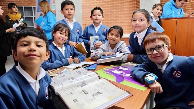 Entrega colegios Engativá y Kennedy - Foto: Prensa Secretaría de Educación