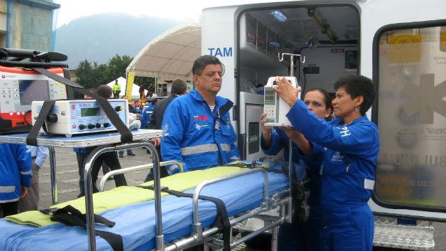 Equipo de ambulancia - Foto: bogota.gov.co