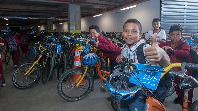 'Al colegio en Bici', movilidad escolar sostenible en Bogotá - Foto: Comunicaciones Alcaldía / Andrés Sandoval