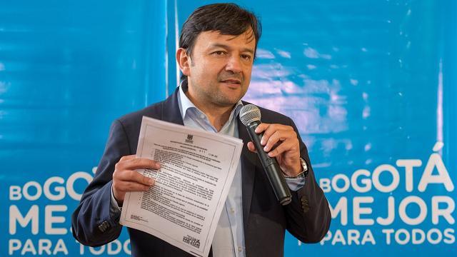 Unos 15.000 vehículos saldrán de la exención de pico y placa - Foto: Alcaldía Mayor de Bogotá