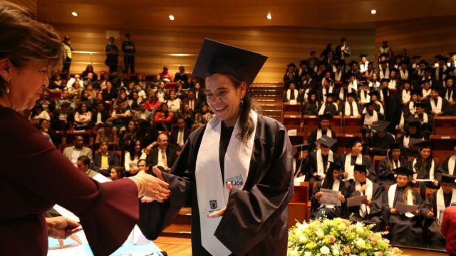 Graduación vendedores informales - Foto: IPES