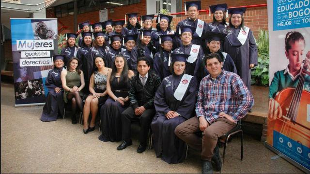 Graduación mujeres - Foto: Secretaría de la Mujer