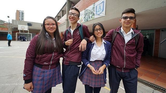 Jóvenes de la ciudad a ingresar a la universidad - Foto: Comunicaciones Secretaría de Educación