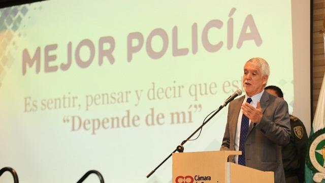Lanzamiento programa Mejor Policía - Foto: Comunicaciones Alcaldía / Diego Bauman