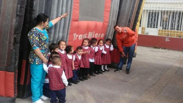 Estudiantes de los colegios de Bogotá aprenden sobre cómo respetar el transporte público.