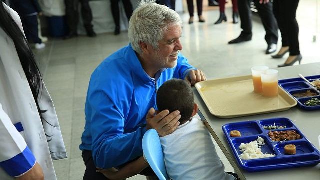 Colegios de la ciudad estrenan menús para sus almuerzos - Foto: Comunicaciones Alcaldía  / Diego Bauman