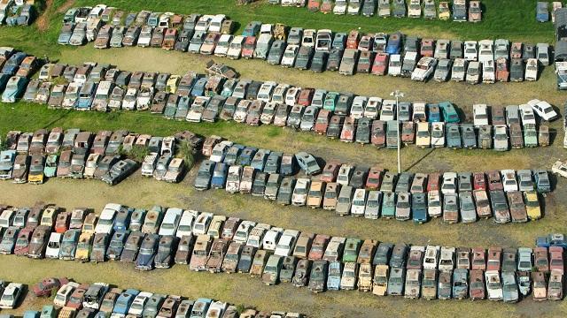 Sepa como participar en la subasta de automóviles y motocicletas abandonados en 'los patios' del Distrito