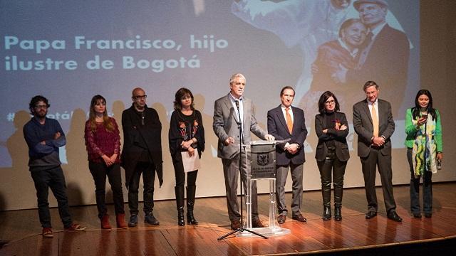 Presentación cacnión homenaje al papa Francisco - Foto: Alcaldía Bogotá / Andrés Sandoval