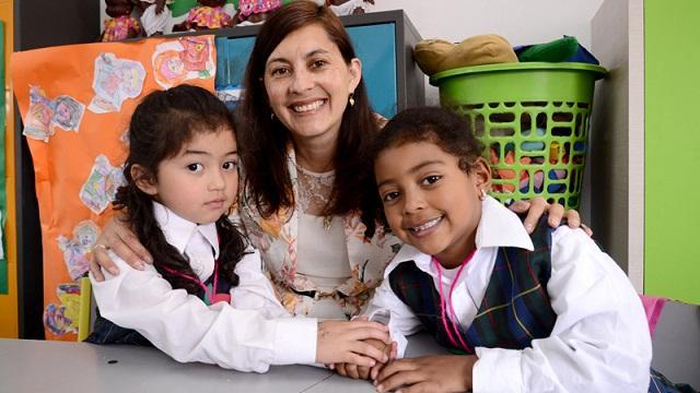 Profesora colegio Pablo VI - Foto: Prensa Secretaría de Educación