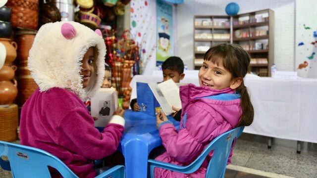 Puntos de lectura en Plazas de Mercado de Bogotá - Foto: Comunicaciones IPES