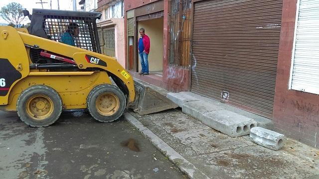 La Defensoría del Espacio Público retiró bloques que invadían andenes del barrio Quiroga.