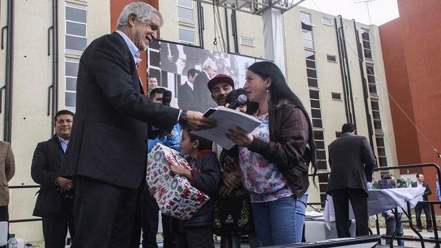 Peñalosa entrega vivienda gratis - Foto: Prensa Alcaldía de Bogotá